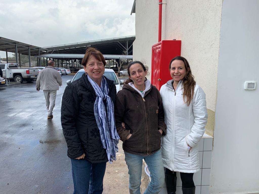 הכוח הנשי של העסקים באזור הגליל המערבי בחנוכת מכון החליבה של סער בשותפות עם חניתה